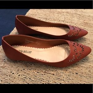 Olivia Miller Pointed Flats